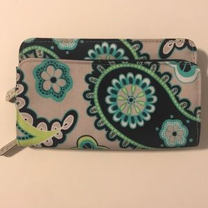 Thirty-One Perfect Cents wallet in Paisley Day
